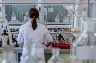 Qual o papel das profissões alternativas à medicina contra o coronavírus?