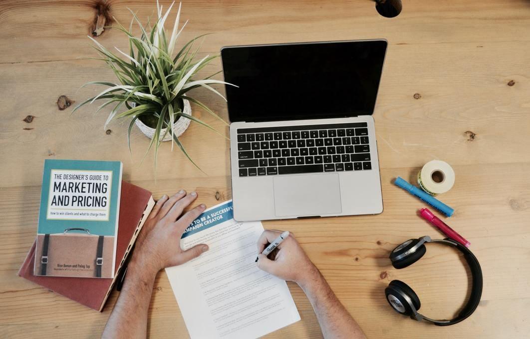 Profissionais de marketing digital